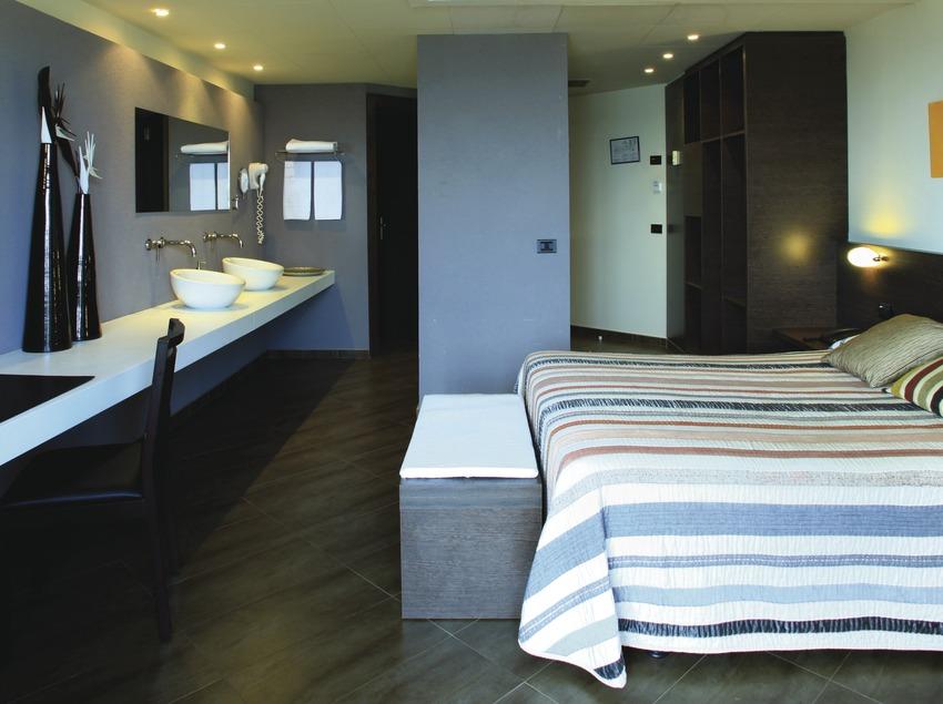 Costa de Barcelona. Suite de l'Aqua Hotel Promenade de Pineda de Mar   (Aqua Hotel)