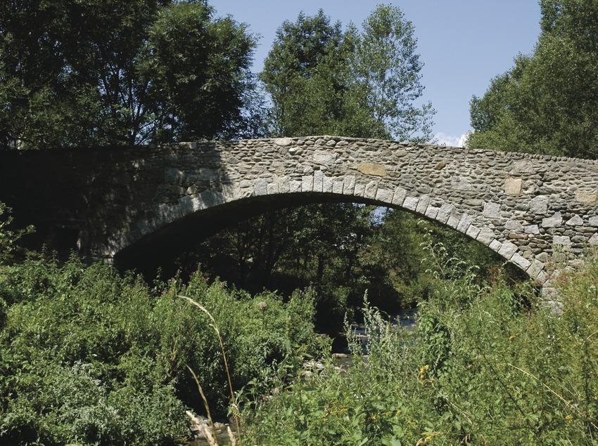 <p>Pirineus. Pont del Querol, a Puigcerdà</p> (Patronat Comarcal de Turisme de la Cerdanya)