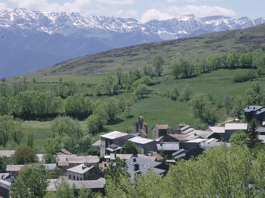 Pirineos. Vista de Guils, en La Cerdanya   (Patronat Comarcal de Turisme de la Cerdanya)