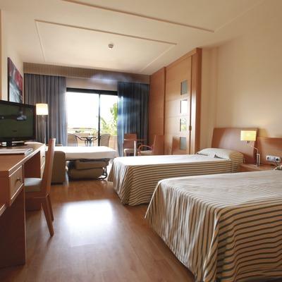 Costa Brava. Habitació de l'Hotel Clipper&Villas de Torroella de Montgrí   (Hotel Clipper&Villas)