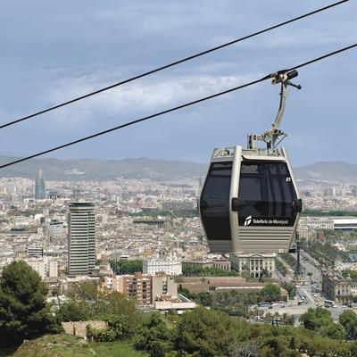 Barcelona. El teleférico por encima de la ciudad   (TMB)