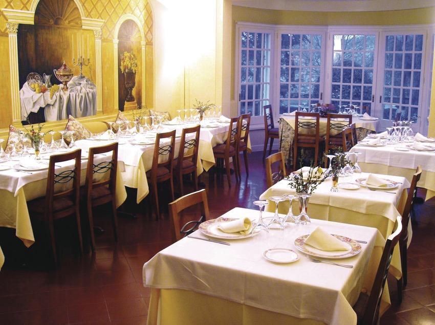 Costa Brava. Menjador del restaurant del Xalet La Coromina, a Viladrau   (Xalet La Coromina)