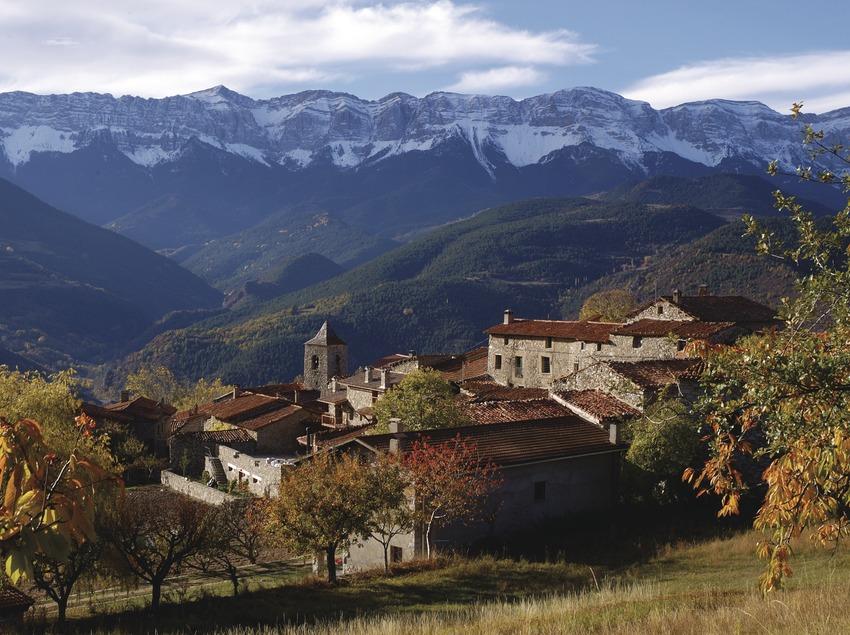 Pirineos. Vista de Travesseres, en La Cerdanya