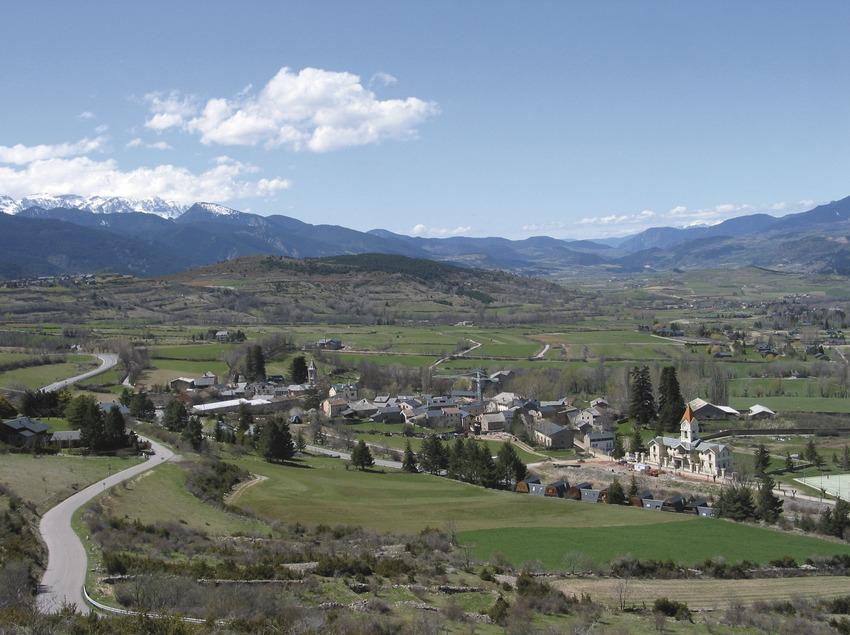 Pirineos. Vista de Das, en La Cerdanya   (Patronat Comarcal de Turisme de la Cerdanya)