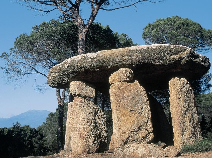 Dolmen de Pedra Gentil  (Servicios Editorials Georama)