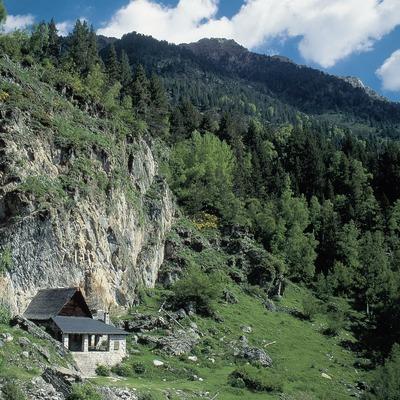 Refugio cerca del lago de Sant Maurici.  (Servicios Editorials Georama)