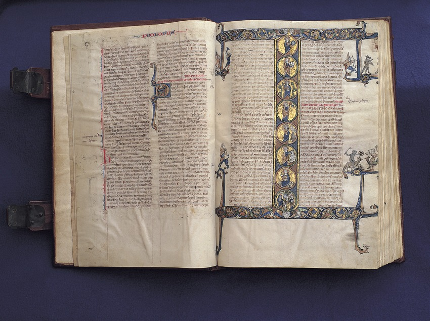 Página inicial del libro del Génesis de la Biblia Sacra de Scala Dei. Museu Diocesà de Tarragona.  (Rafael López-Monné)