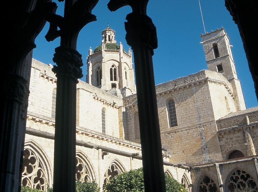 Claustro del monasterio cisterciense de Santes Creus  (Servicios Editorials Georama)