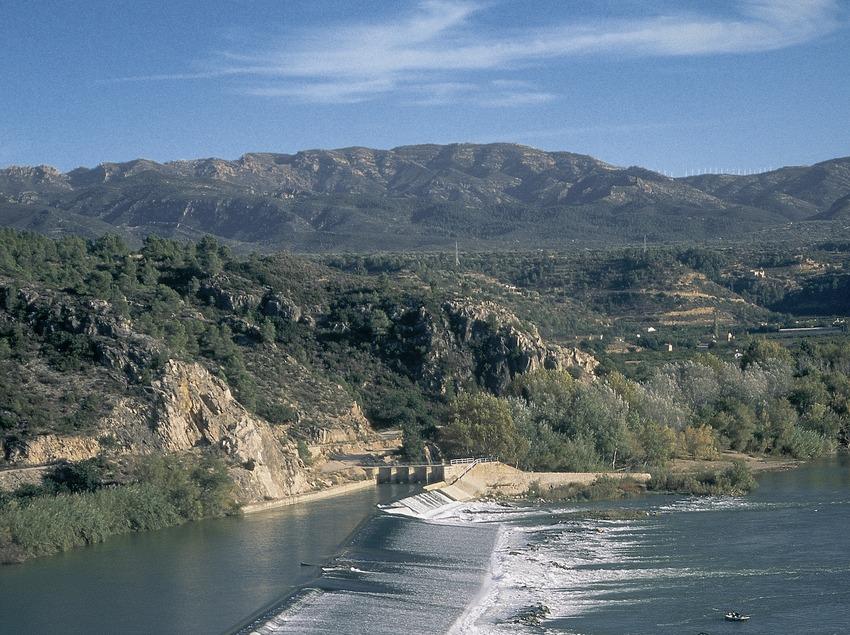 The Xerta weir on the river Ebro  (Servicios Editorials Georama)