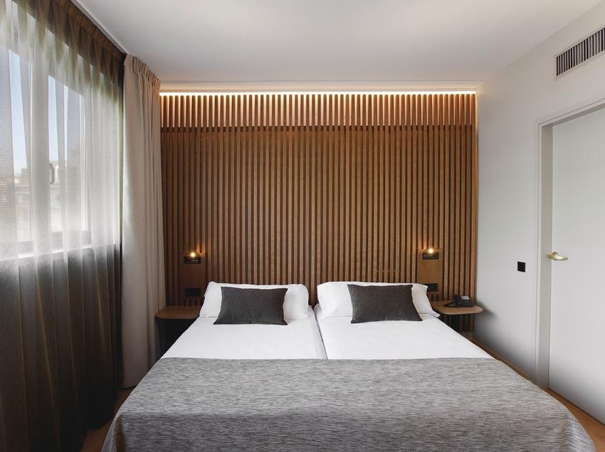 Atenea barcelona aparthotel allotjament hoteleria for Appart hotel 08028