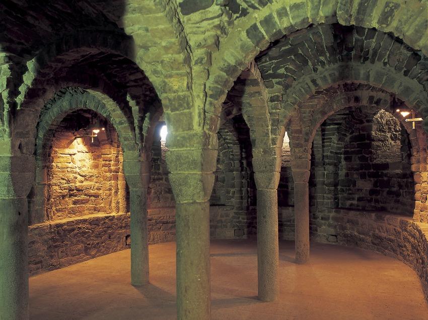 Cripta de l'església de la Col·legiata de Sant Vicenç de Cardona  (Jordi Pareto)