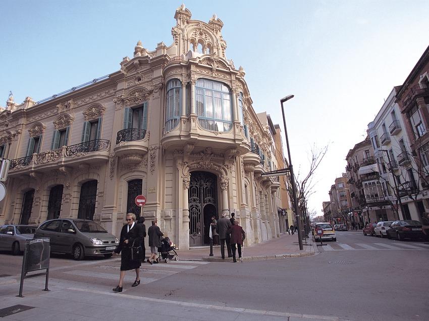 Casa modernista en Tortosa  (Mariano Cebolla)