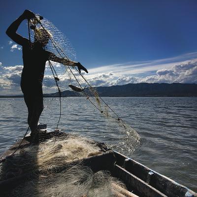 Pesca artesana «a la paupa»   (Col·lectiu de Cuina la Ràpita – Delta de l'Ebre)