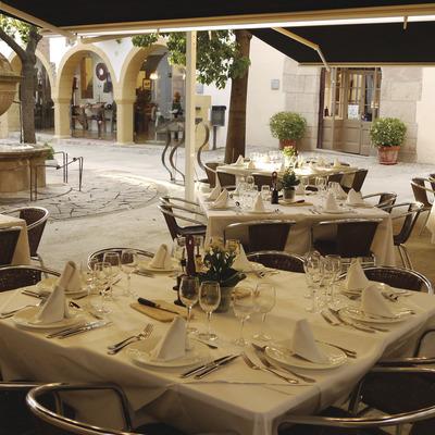 Menú del dia i entrada al Poble Espanyol   (Restaurant La Font de Prades)
