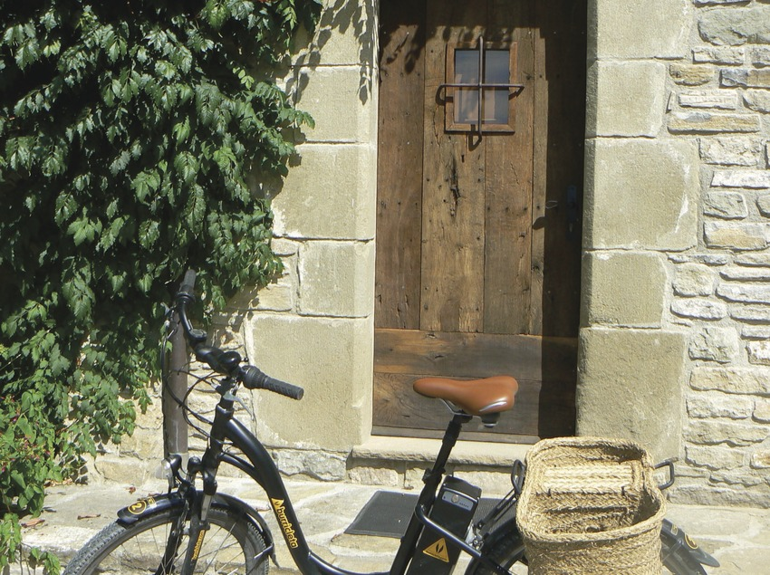 Travelling by rural electric bicycle   (Burricleta)