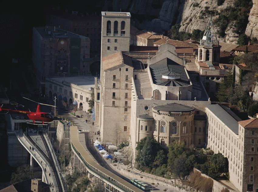 Tourist flight to Montserrat   (Barcelona Helicòpters (Helipistas))