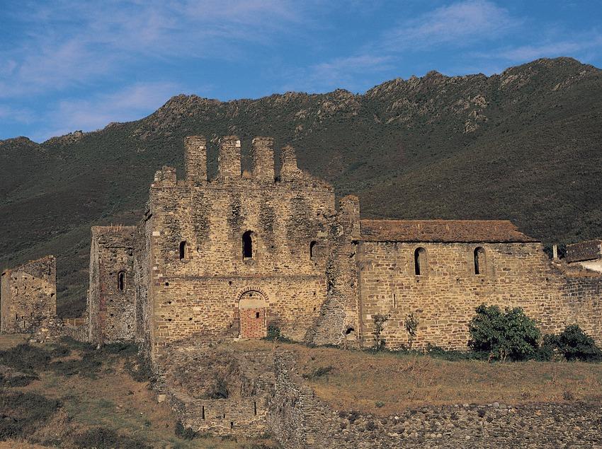 Monasterio de Sant Quirze de Colera  (Ernest Costa)