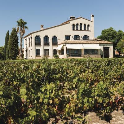 Clos Barenys, casa familiar delante los viñedos.