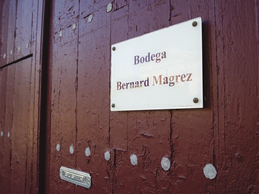 Domaines Magrez Espagne, detalle de la puerta de la bodega (Marc Castellet)