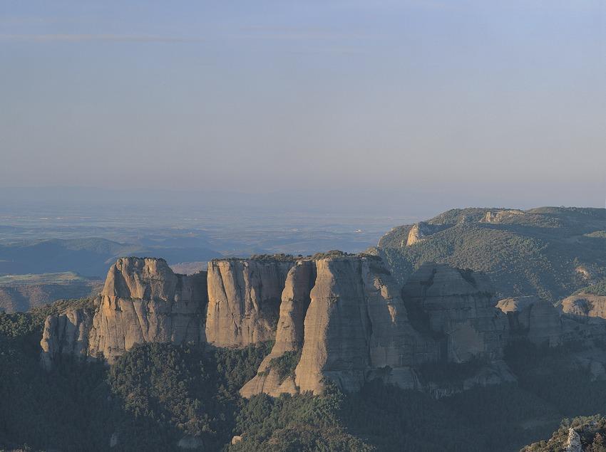 Cordillera de Sant Honorat desde el cerro de Remolins