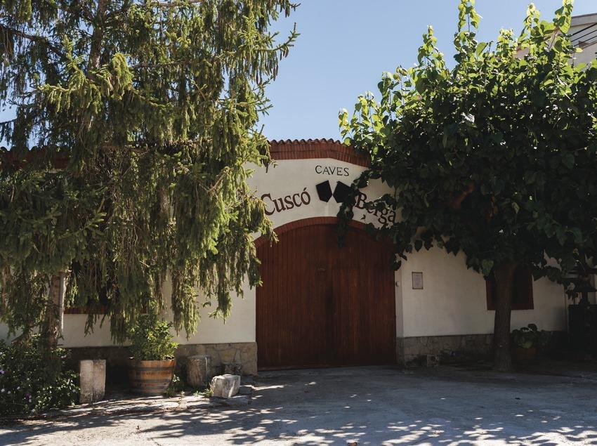 Cuscó Berga, fachada de la cava.