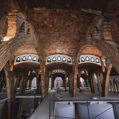 Celler Cooperatiu de Gandesa, interior del celler d'arquitectura modernista.