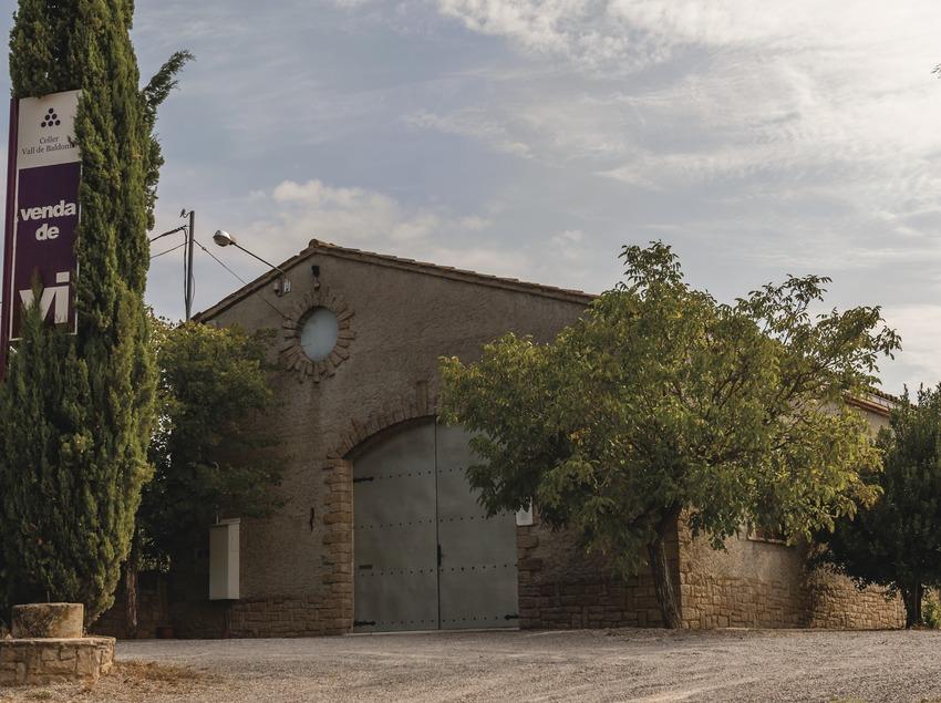Vall de Baldomar, façana del celler.