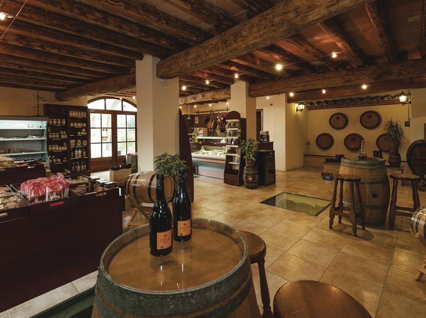 Viticultors del Priorat, botiga i cooperativa. (Marc Castellet)
