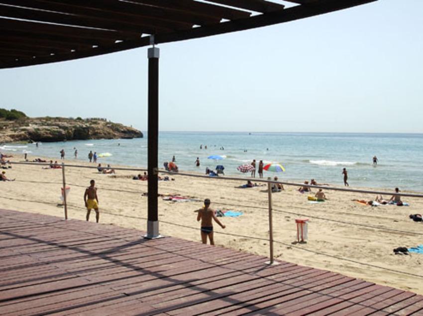 Playa, arena y sol...
