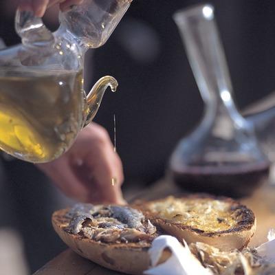 Esmorzar. Festa de la Truita amb suc a Ulldemolins.