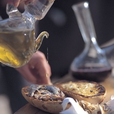 Desayuno. Fiesta de la Tortilla con salsa en Ulldemolins.