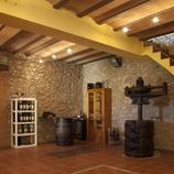 Tast de vins catalans a prop del Monestir de Santes Creus