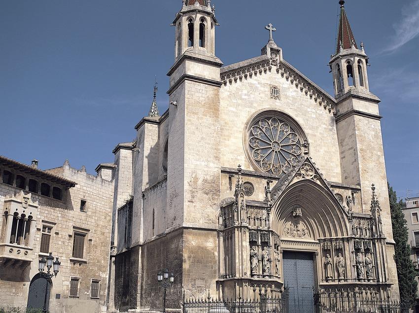 Fachada de la basílica de Santa María  (Felipe J. Alcoceba)