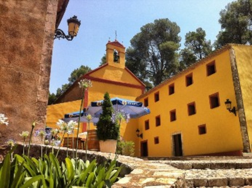 L'ermita de Santa Marina de Mont-roig està situada a 4 Km de Pratdip. (Oficina de turisme de Mont-roig del Camp)