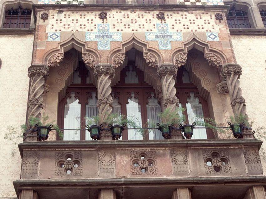 Façana de la casa Coll i Regàs de Mataró. (Fundació Turística Santa Susanna)