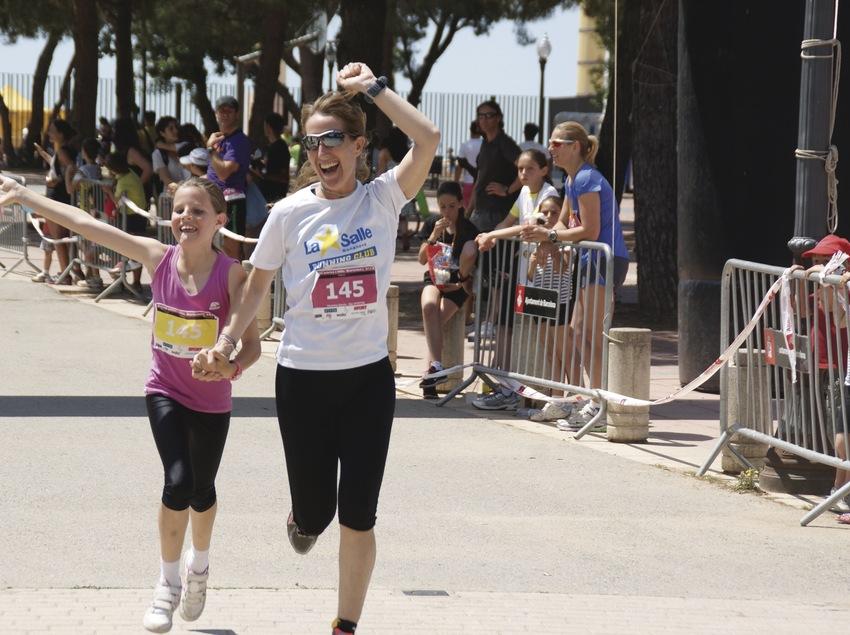 Vols arribar a la meta agafat al teu fill? Vine a The Family Run. (Kaptiva Sports - Spain Soccer Tours)