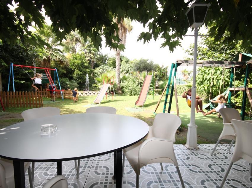 Terrassa del restaurant   (La Maduixa)