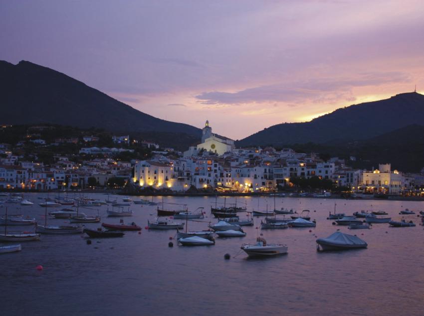 Vista de Cadaqués desde el mar   (3e Luxury Services)