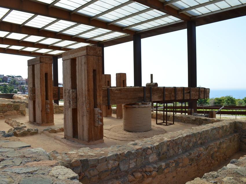 Prensas romanas de vino reconstruidas   (Parc Arqueològic Cella Vinaria)