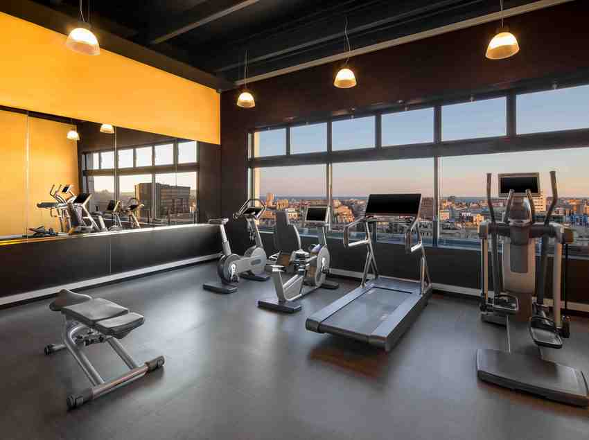 Gimnasio del hotel   (Four Points By Sheraton Barcelona Diagonal)