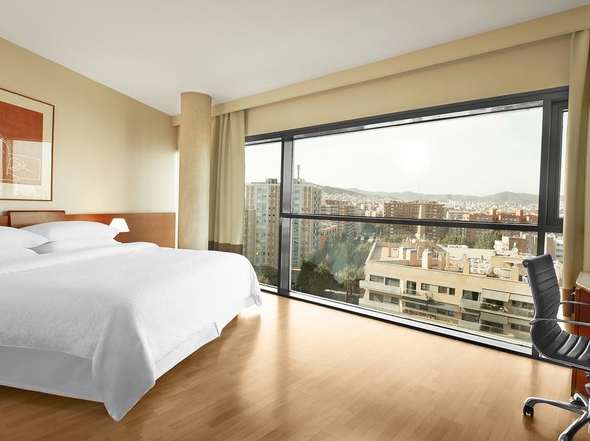 Habitació de l'hotel amb vistes sobre la ciutat   (Four Points By Sheraton Barcelona Diagonal)