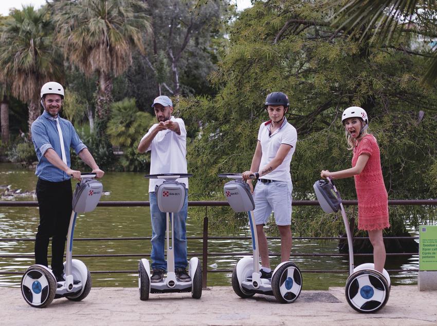 Tour en Segway vora l'estany del parc de la Ciutadella   (GlideBCN)