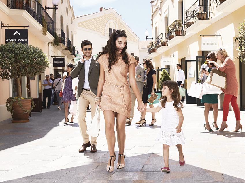 La Roca Village Shopping Express® - Tour d'un dia en bus