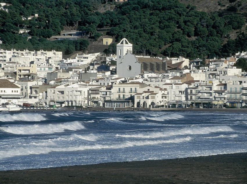 Seafront and promenade in El Port de la Selva  (Servicios Editorials Georama)