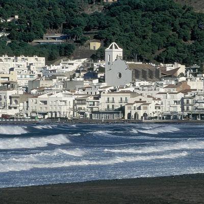 Façana litoral i passeig marítim d'El Port de la Selva  (Servicios Editorials Georama)