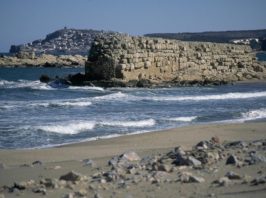 Kai in dem alten griechisch-römischen Hafen, L'Escala.  (Servicios Editorials Georama)