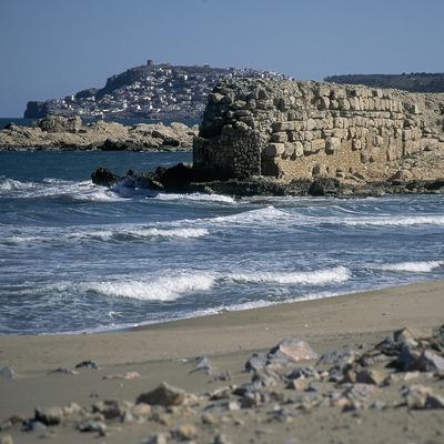 Escullera de l'antic port grecoromà, l'Escala.  (Servicios Editorials Georama)