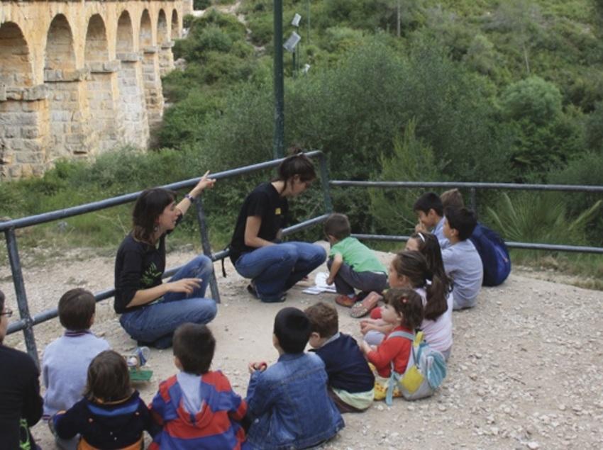Live the Pont del Diable (Devil's Bridge) in family