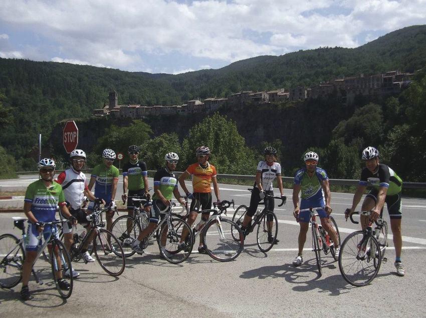 Grup de ciclisme en carretera     (Cycling in Costa Brava.com)