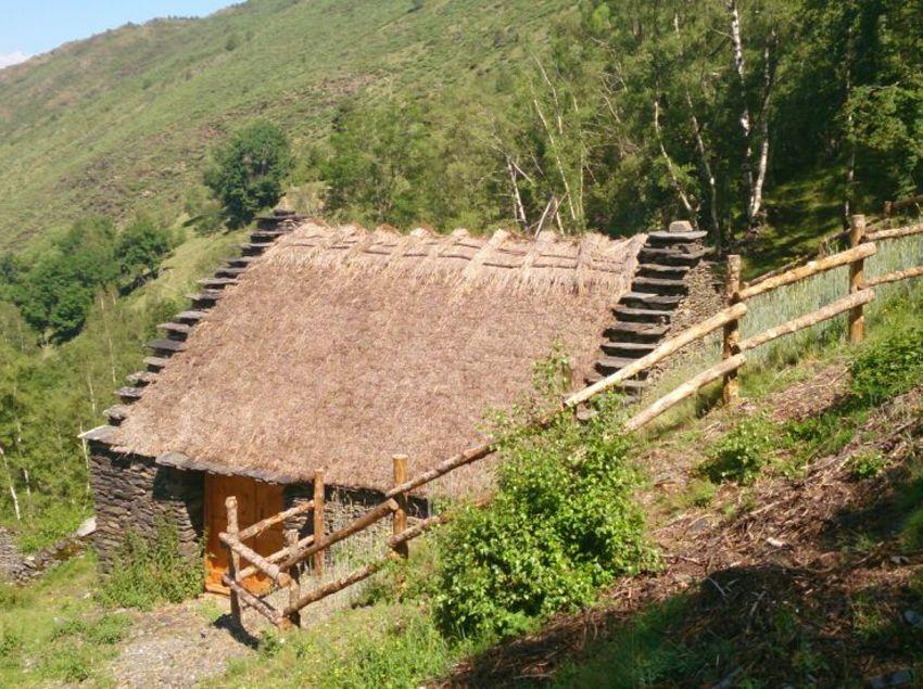 Parque Natural de Alt Pirineu_Borda Llosaus    (Patronat de Turisme Terres de Lleida)